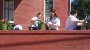 Reesey Neff and GREAT House residents work together on United Way Day of Action